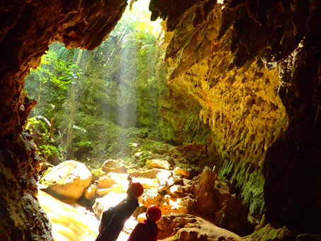 神秘体験✨鍾乳洞探検ケイビング⛑