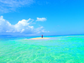 おすすめ離島ツアー沖縄旅行で人気の離島、石垣島・小浜島・西表島を格安ツアーで遊ぼう!人気の島内観光スポット川平湾・平久保灯台・竹富島を観光した後は、石垣島・西表島ツアーランキング人気のケンガイドがおすすめするアクティビティツアー体験をご紹介、