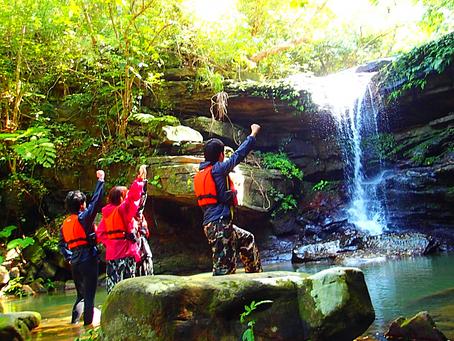 島旅で秘境の滝へ✨