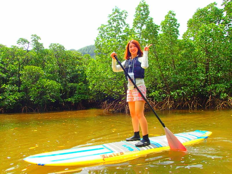 石垣島旅行で西表島人気の観光スポット水牛車で行く由布島観光&SUPツアー、人気のケンガイドがおすすめするトレッキングパワースポット巡り・女子旅行・家族旅行・学生旅行でアクティビティ体験、SUP&秘境の滝巡り!人気観光スポット由布島観光で島旅を満喫しよう。