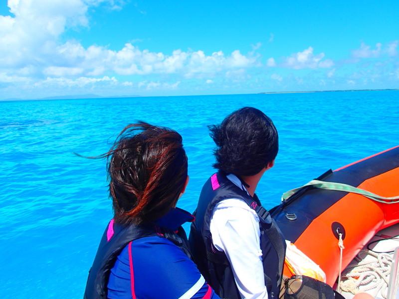 西表島観光するなら西表島ケンガイドがおすすめする人気のアクティビティツアー体験、アドベンチャーボートで行くパナリ島シュノーケルで遊ぼう!