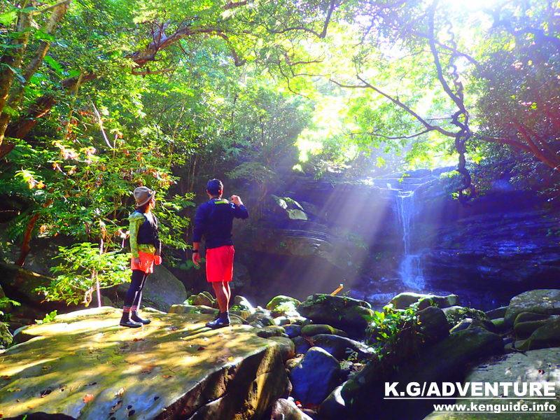 石垣島旅行で西表島人気の観光スポット水牛車で行く由布島観光&カヌーツアー、人気のケンガイドがおすすめするトレッキングパワースポット巡り・女子旅行・家族旅行・学生旅行でアクティビティ体験、カヌー&秘境の滝巡り!人気観光スポット由布島観光で島旅を満喫しよう。