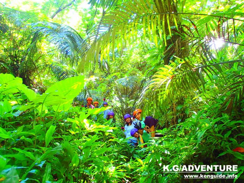 沖縄旅行格安ツアー石垣島・西表島をもっとお得に割引プラン!家族旅行・女子旅を応援します。石垣島・西表島ツアーランキング人気のケンガイドがおすすめする人気のアクティビティツアー、マングローブをSUP・カヌーでジャングル探検トレッキングやアドベンチャーボートで行くパナリ島シュノーケル、星砂の浜シュノーケリングで遊んだ後は、レンタカーで人気の観光スポットへ川平湾、平久保灯台、由布島観光など石垣島・西表島を満喫しよう!