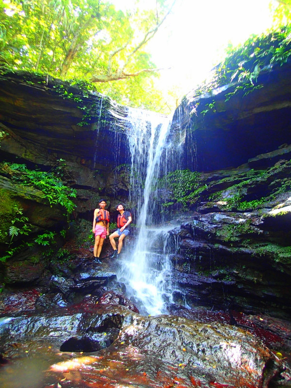 石垣島旅行・西表島で人気No1のSUPツアーで最高の島旅を!ケンガイドおすすめSUP秘境パワースポット巡りやシュノーケル・キャニオニング・ケイビングなど遊びは自由自在!女子旅行・学生旅行・家族旅行で観光アクティビティSUP体験を、西表島でSUP遊びを満喫しよう。