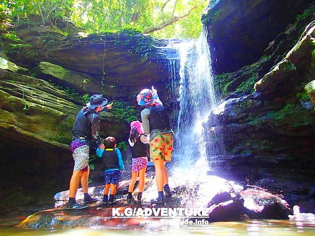 西表島旅行おすすめ由布島観光&カヌーツアー、西表ケンガイドがおすすめする秘境の巡りと水牛車で由布島観光、女子旅行・家族旅行・学生旅行をアクティビティツアーでカヌー&トレッキング秘境の滝巡り!西表島人気の観光スポット由布島で南国を満喫しよう。