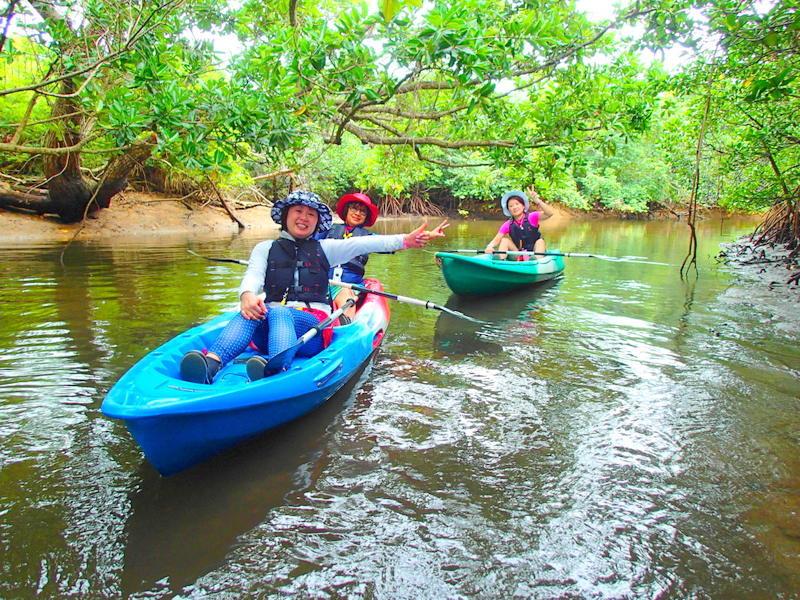 西表島ケンガイドがおすすめする石垣・西表島旅行で人気のアクティビティツアー体験、カヌーでマングローブクルーズ、トレッキングでジャングル探検滝巡り&キャニオングで遊ぼう!