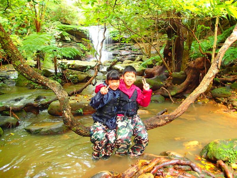 石垣島旅行で人気の西表島観光アクティビティ半日カヌーツアー体験、西表島ケンガイドおすすめ半日カヌーツアーで女子旅行・家族旅行・学生旅行を満喫!カヌーでマングローブ&ジャングル探検でパワースポット秘境の滝巡り!本物の島旅アウトドア体験を。