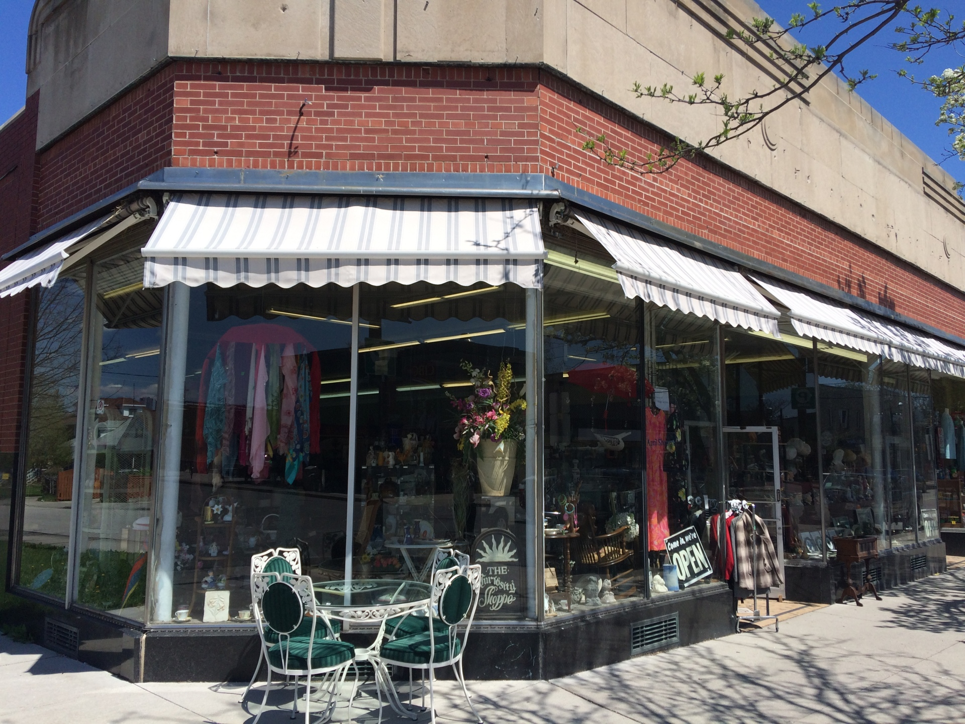 Holland Consignment Shoppe & Auction