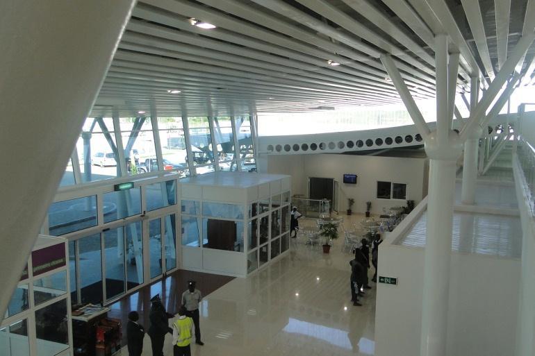 Hall-Publico-da-Aerodromo-de-Vilankulo_galleryfull