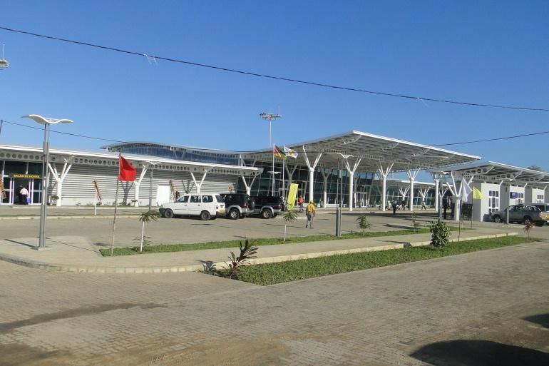 Lado-terra-do-Aerodromo-de-Vilankulo_galleryfull