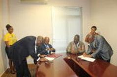 Assinatura do Memorando de Entendimento entre a Empresa Nacional de Exploração de Aeroportos e Naveg