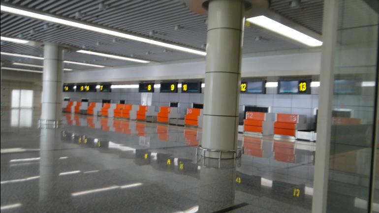 Sala-de-check-in-do-terminal-domestico-de-passageiros_galleryfull