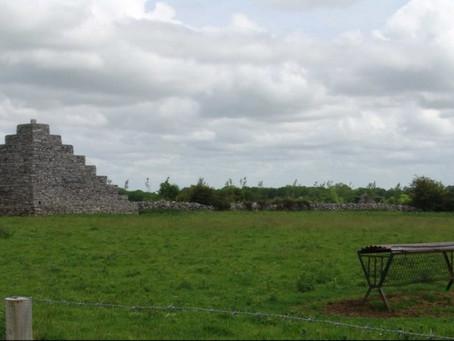 Pyramide de NEALE (IRL)