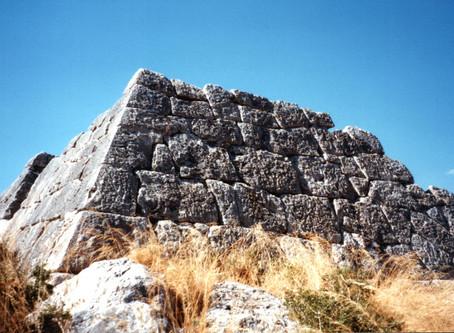LES PYRAMIDES DE ARGOPOLIS (GRE)