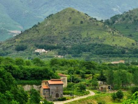 LES PYRAMIDES DE SANT'AGATA DE'GOTI (ITA)
