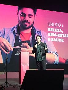 Fábio Porchat apresentndo o prêmio Talentos Senac 2016