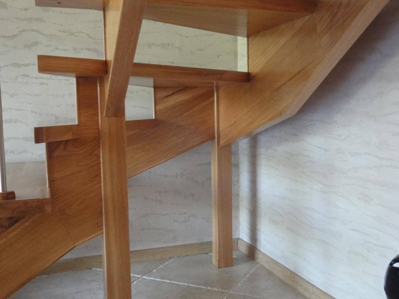 Mocowanie stopnic schody ażurowe