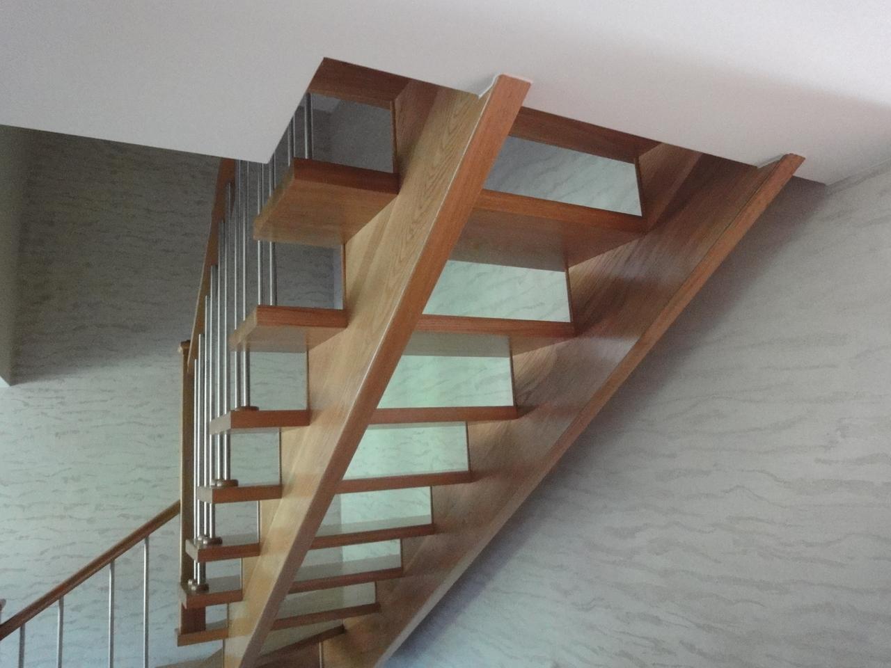 Konstrukcja schodów ażurowych
