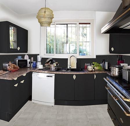 Home staging, relooking d'une cuisine, à La Garde, par l'architecte décorateur d'interieur, Mosser Intérieur Design dans le Var