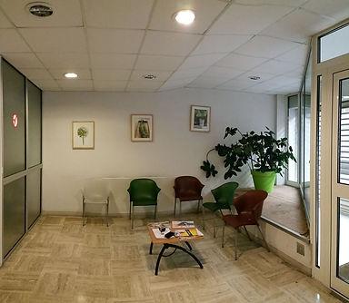 Photo avant travaux, Avant / Après, Aménagement et décoration d'une salle d'attente, acceuil, dans un ERP Etablissement Recevant du Public, dans un esprit exotique, à Toulon, par l'architecte décorateur d'intérieur Mosser Intérieur Design dans le Var