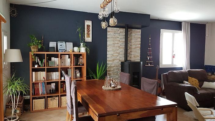 Agencement et conseil couleur d'un salon style it Dark, bleu intense, par l'architecte décorateur d'intérieur Mosser Intérieur Design dans le Var