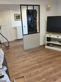 Photo pendant travaux, Agencement, aménagement et décoration d'un salon séjour industriel moderne à Ollioules, par l'architecte décorateur d'intérieur Mosser Intérieur Design, dans le Var