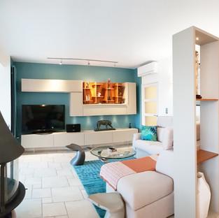 Aménagement agencement et décoration d'un salon chic et contemporain à La Londe Les Maures par votre architecte décorateur d'intérieur Mosser Intérieur Design dans le Var
