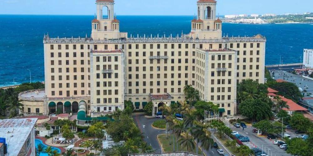 Fachada imponente do Hotel Nacional