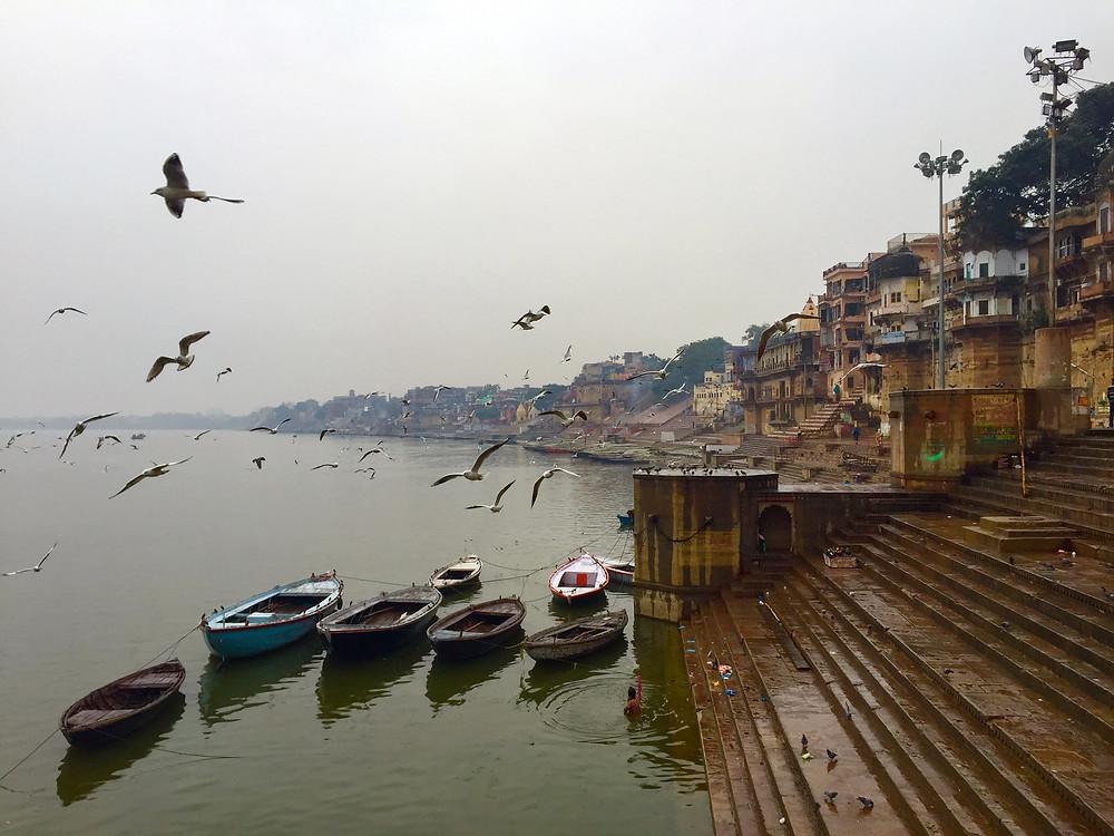 Na foto abaixo um dos 88 Ghats de Varanasi