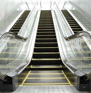 Thiago-Kffuri-Escada-rolante.jpg