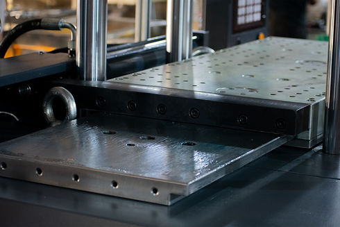 Double Slider Vertical Injection Molding Machine Slide Table.jpg