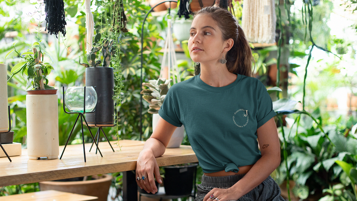 knotted-tee-mockup-featuring-a-relaxed-w