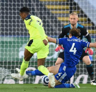 Newcastle dominate as Magpies maul the Foxes at the King Power