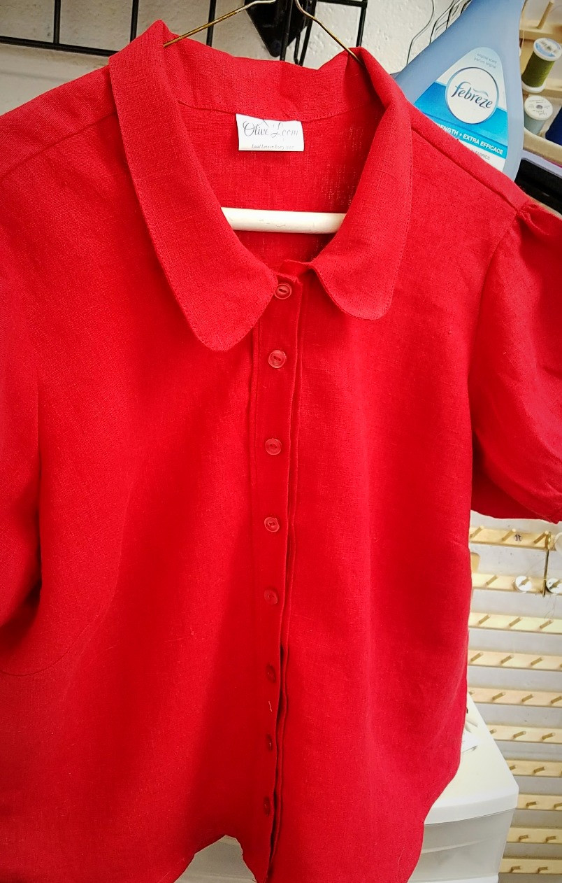 custom made red linen bloue
