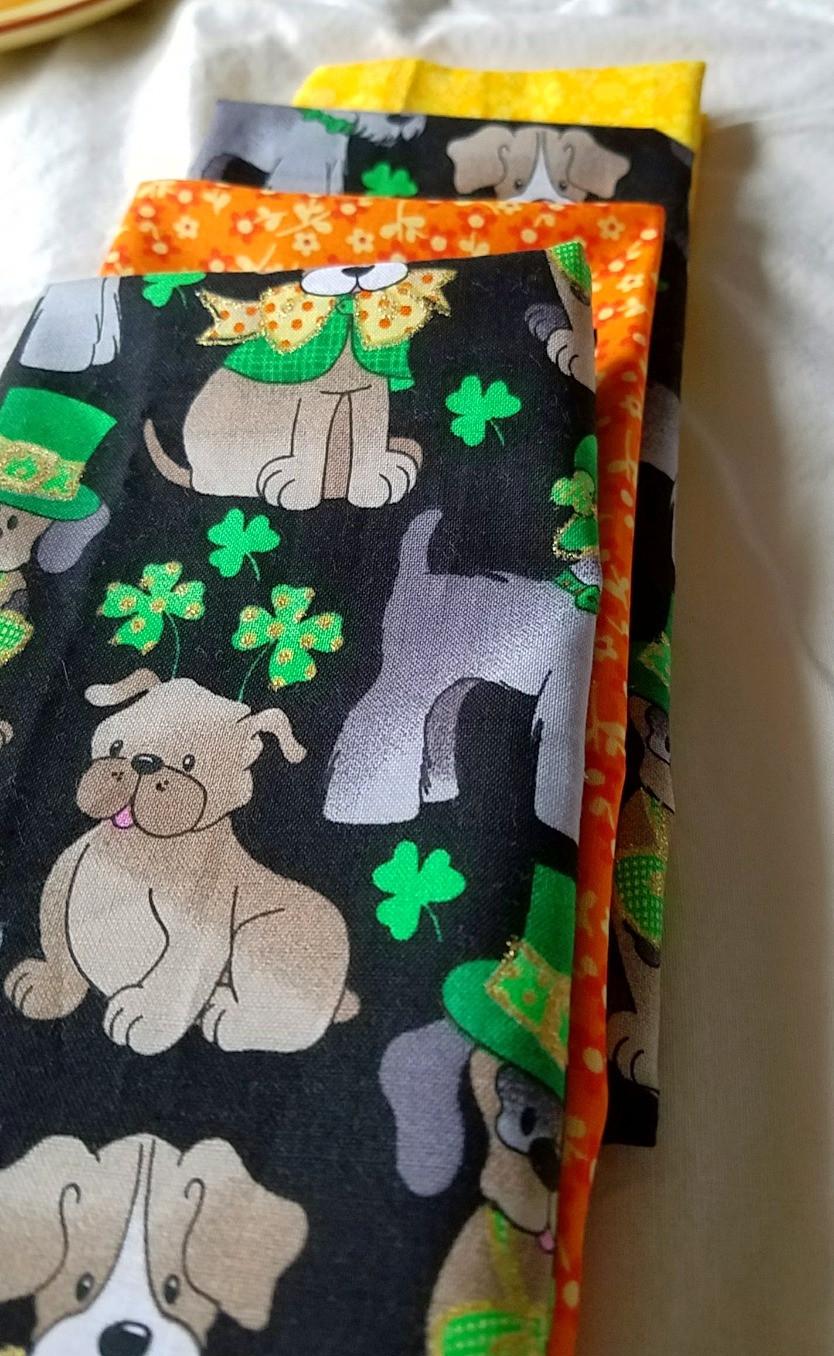Coordinating cloth napkin set