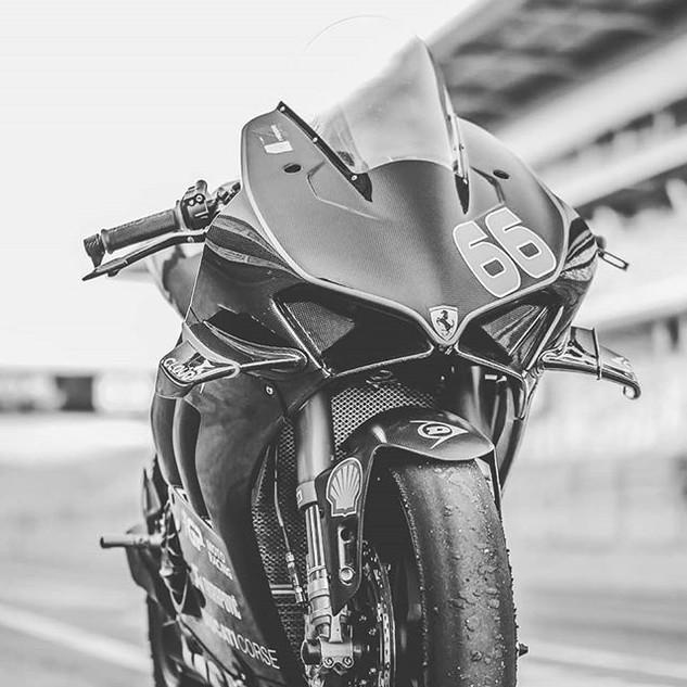 #ducati #ducatisuperbike #moto #racing #