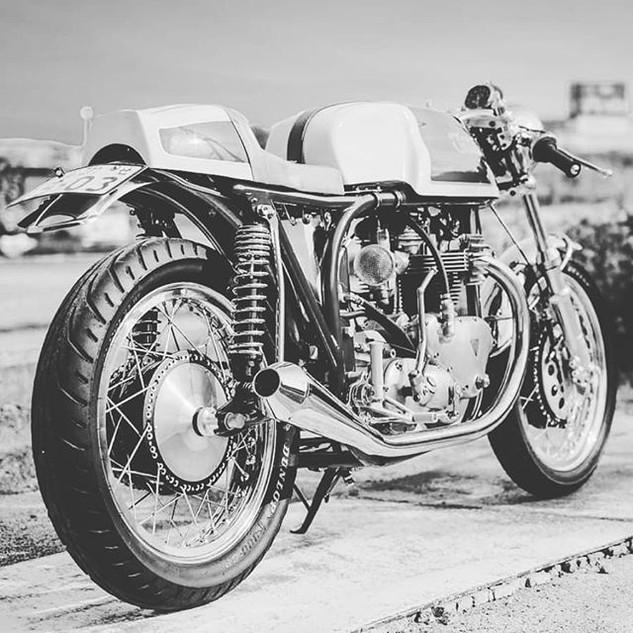 #caferacer #moto #oldschool.jpg