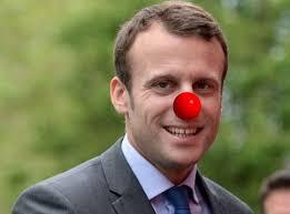 Macron la gaffe, entre bourdes, ratés et râteaux