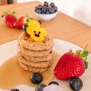 Super Simple Banana Oat Pancakes