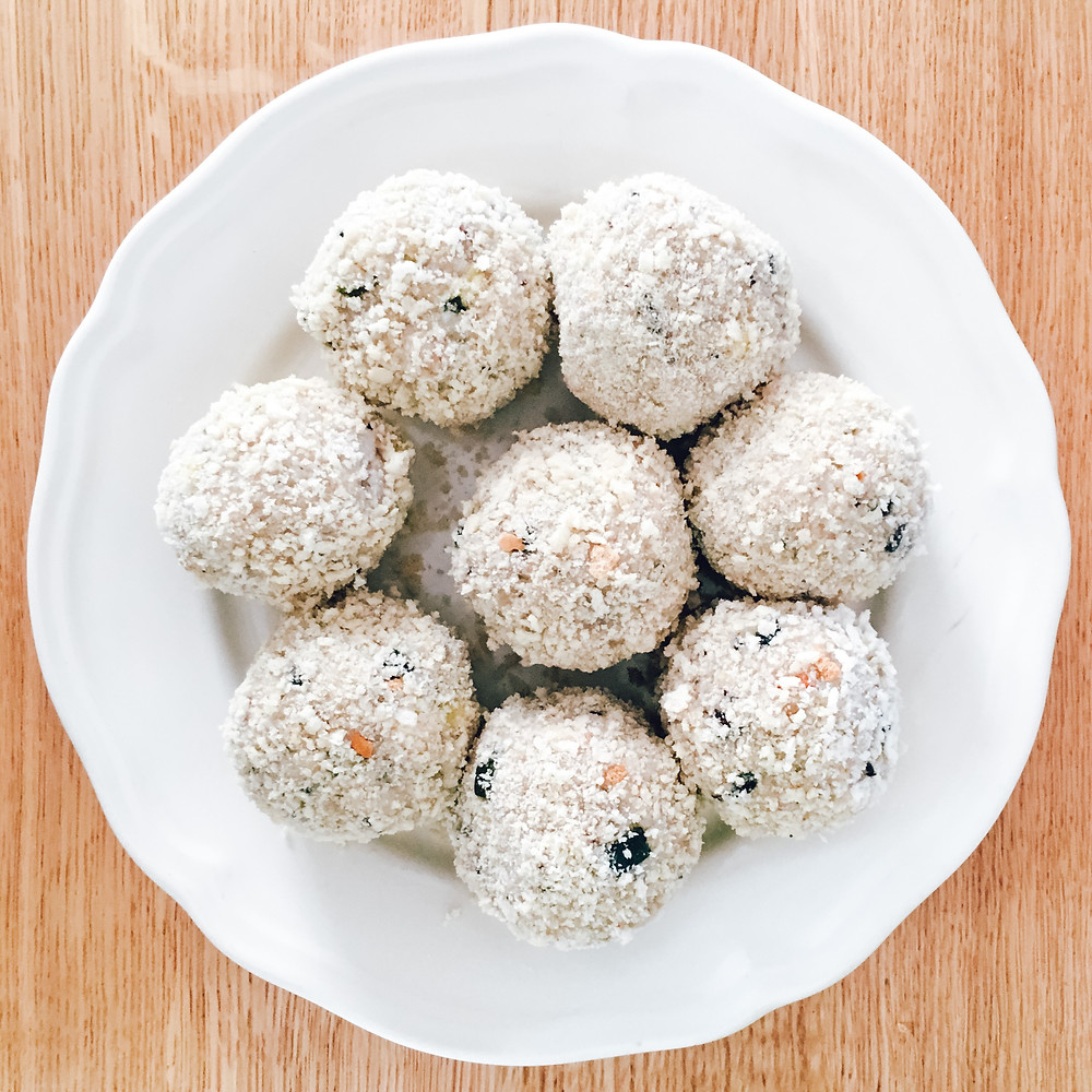 Damona Mozzarella Stuffed Vegan Cheese Arancini Balls