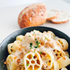 Easy Vegan Mac & Cheese Recipe with Studio Voodoo French Onion & Chive Cheese