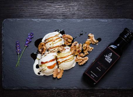 Vanille-Walnusseis mit Honig