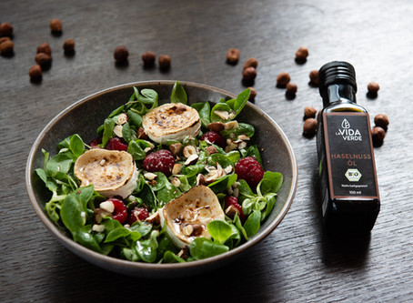Rezept Feldsalat mit Haselnussöl und Ziegenkäse