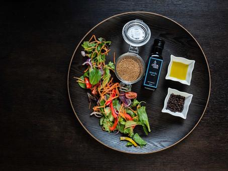 Bunter Salat mit Senföl-Vinaigrette