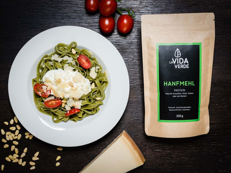 Hanfmehl-Tagliatelle mit Parmesan