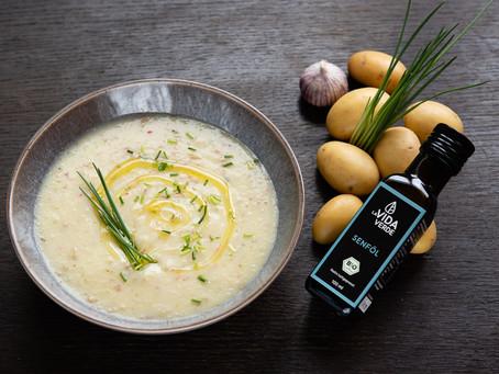 Kartoffelcremesuppe mit Senföl