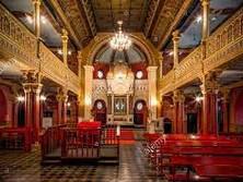 Caminos del Exilio, Capítulo 2: Las Sinagogas de Polonia