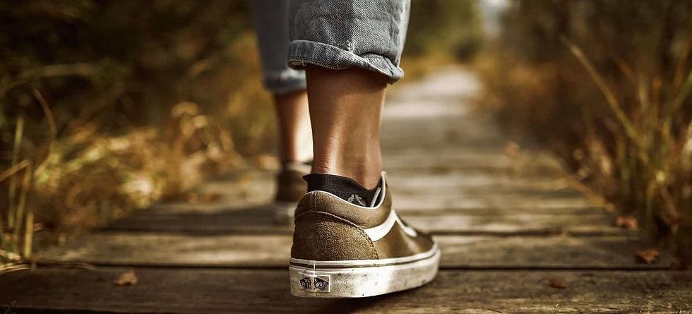 fashion-footwear-grass-outdoors-631986 2
