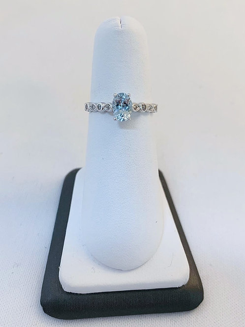 14k White Gold 0.90ct Aquamarine & Diamond Ring