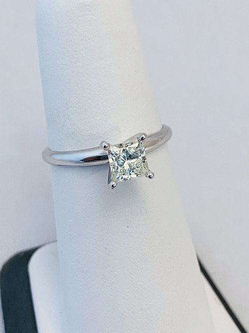 14k white gold, 0.92ct Princess Cut Diamond Engagement Ring